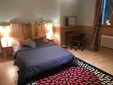 Jolie chambre dans maison à 15 minutes de Besançon