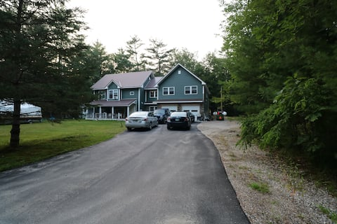 Bristol NH Newfound Apartment in the Woods