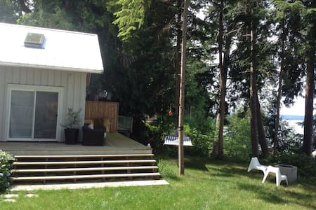 Silver Cloud Bed and Breakfast - Savary Island - Bed & Breakfast