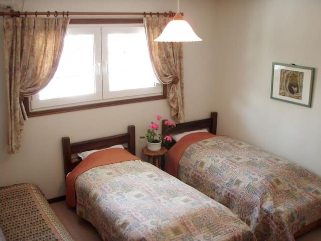 Landhouse _ FreeWifi!  ☆ Twin room