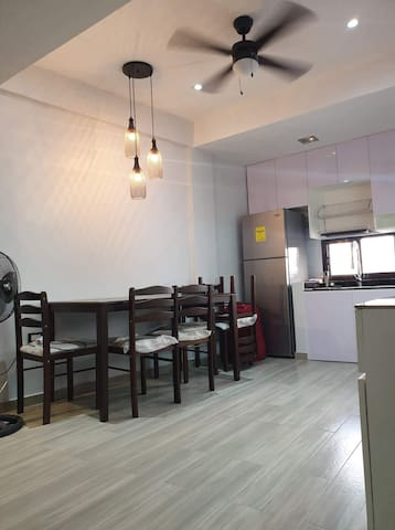 Cozy place to stay. At the heart of metro manila