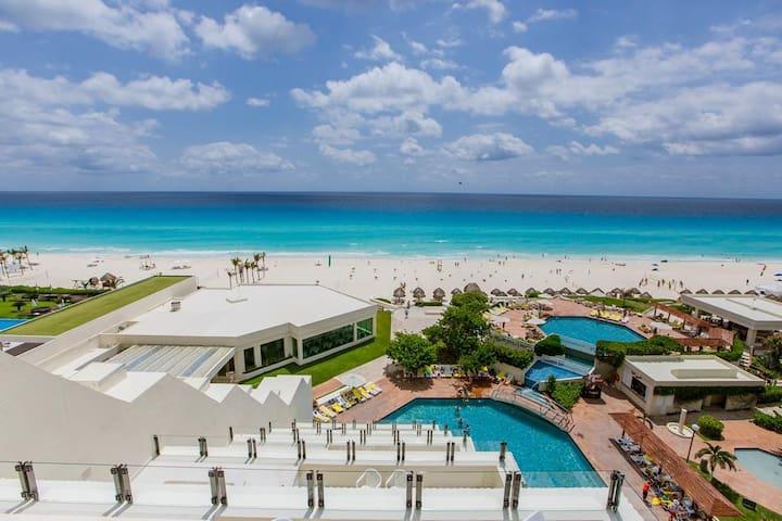 Beachfront Studio in Cancun (ALL INCLUSIVE)