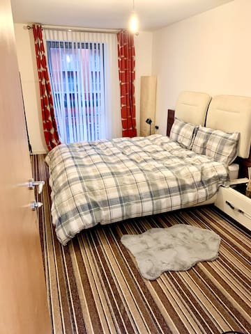 Double Ensuite Room at the Heart of Salford Quays