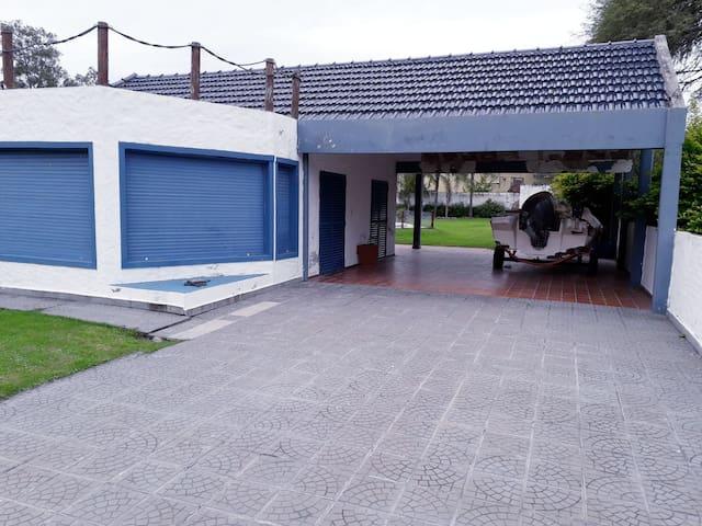 Casa en villa del lago, Termas de Río Hondo.