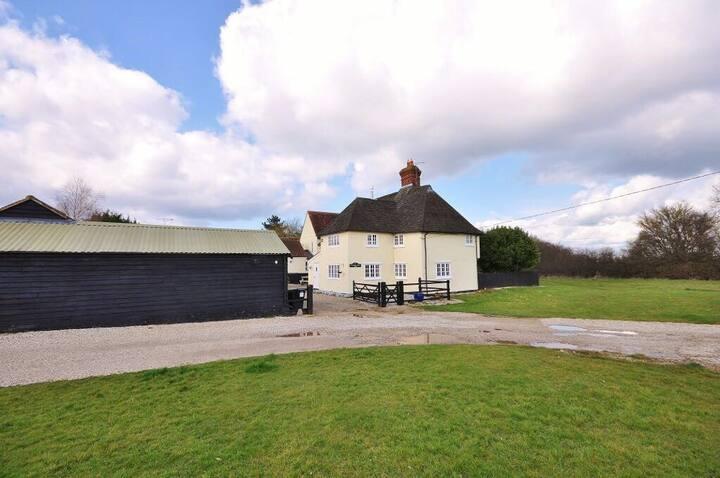 The Farm House @ Pledgdon Green
