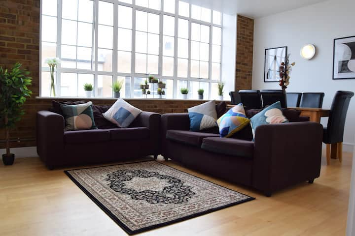 Stunning Warehouse Conversion in Buzzing Peckham