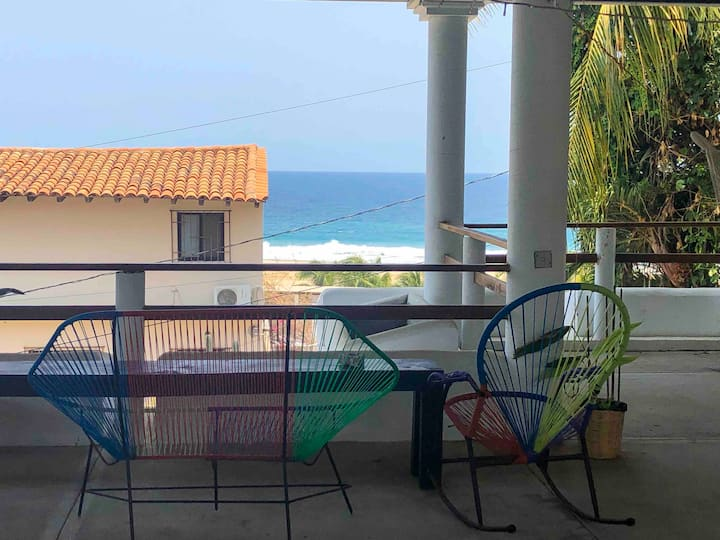 OCEAN VIEW HOUSE W/ 4 ROOMS @ ZICATELA •CASA FLORA