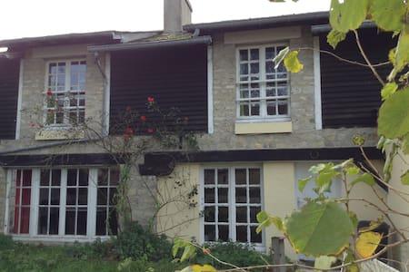 Farm Chemineau - House