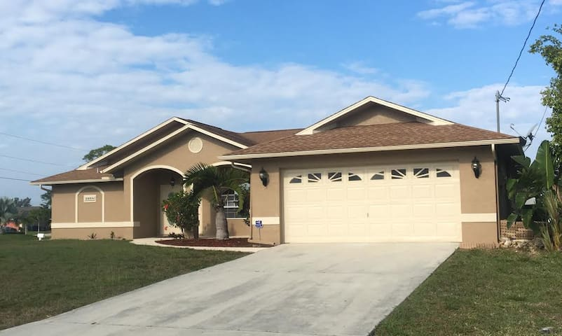 Cap Coral/ Fort Myers Fl - Cape Coral - Rumah