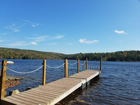 Cozy Lakefront home on Pristine Lake
