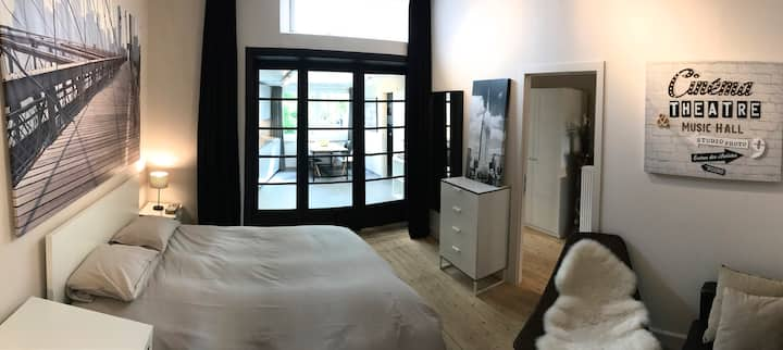 Luxury 2-room Apartment with free parking in Gent!