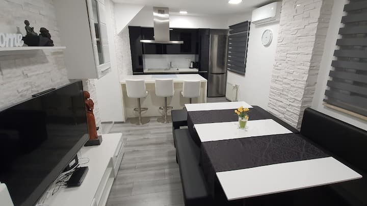 Apartment Maribor XXL near Sport centers