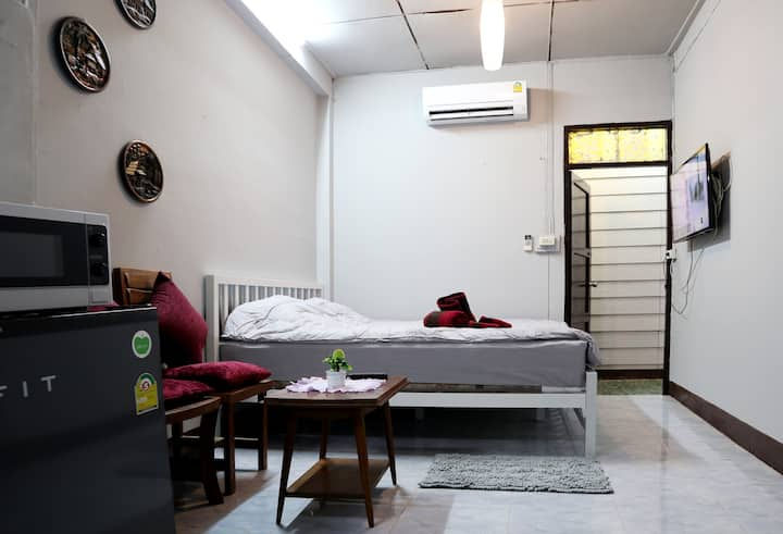 Comfy Aircon Room in the Old City