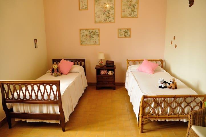 Camera da letto 3 con 2 singoli