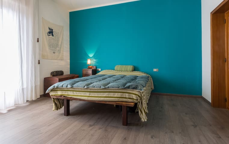 Spacious and Bright Double Room - Perugia - Huis