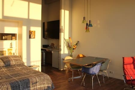 Private Studio with Endless View - Amsterdam - Daire