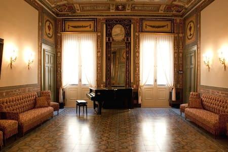 Palazzo Pesce - Historical House - Mola di Bari