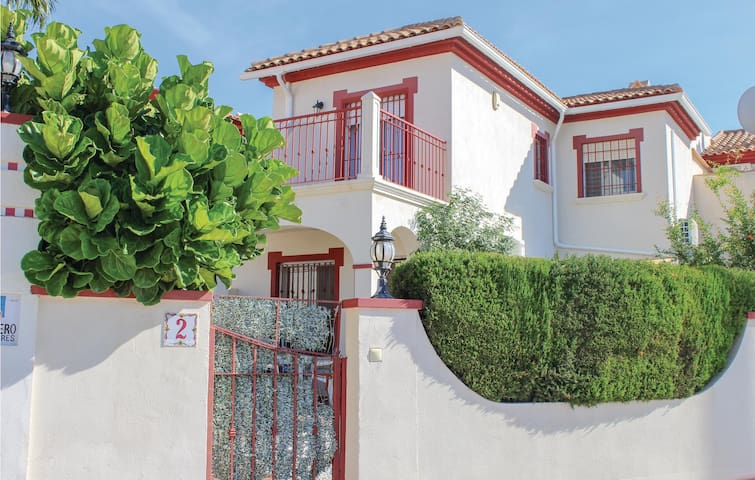 Terraced house with 2 bedrooms on 75m² in Orihuela Costa
