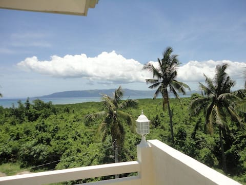 Villa Hannah, Spacious Penthouse with Amazing View