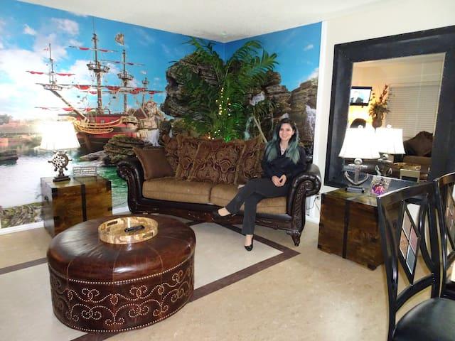 Treasure Island Home with Garage - Bakersfield