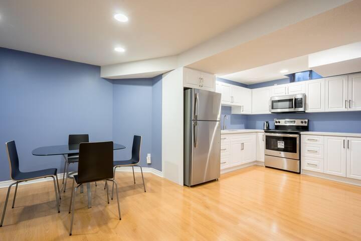 Modern & spacious basement suite in Richmond Hill