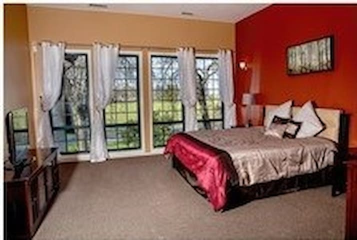 Freeport Wine Country Inn & Bistro - Suite