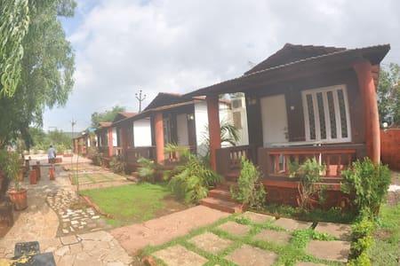 HV Hut Ac - Karla