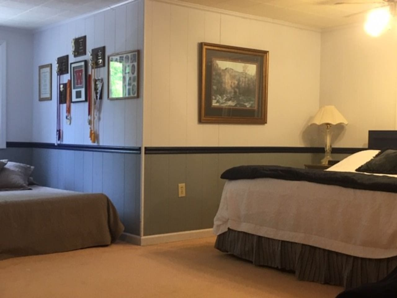 King size bed and air mattress alcove