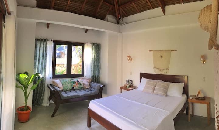 Private modern/native room in General Luna