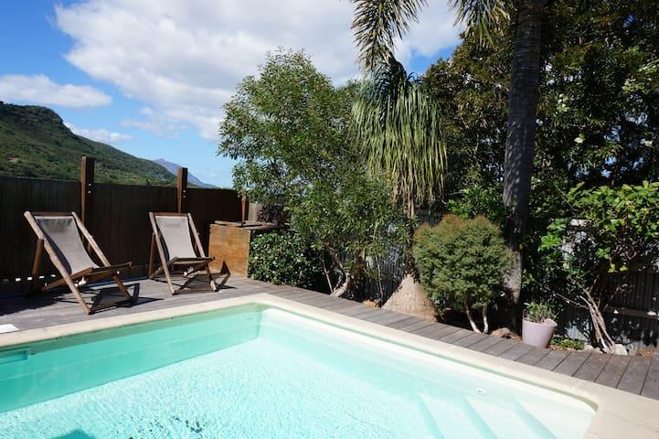 Spacieuse villa calme et confortable