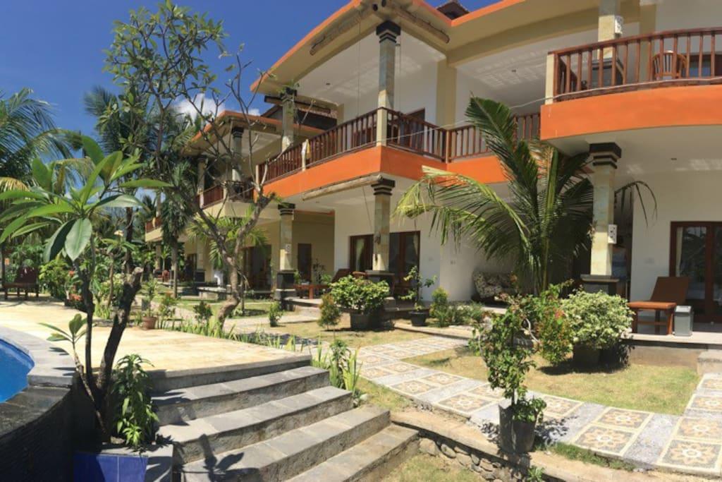 Whole villa view.