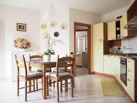 House with exclusive garden - Tra lago e monti