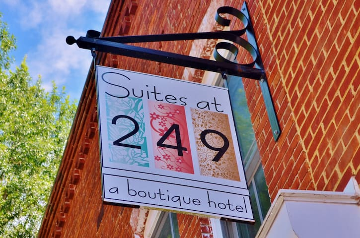 "Suites at 249 ""Downtown Culpeper"""