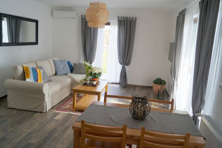 Cozy 4* apt w spacious terrace near Plitvice Lakes - Drežnik Grad - Apartment