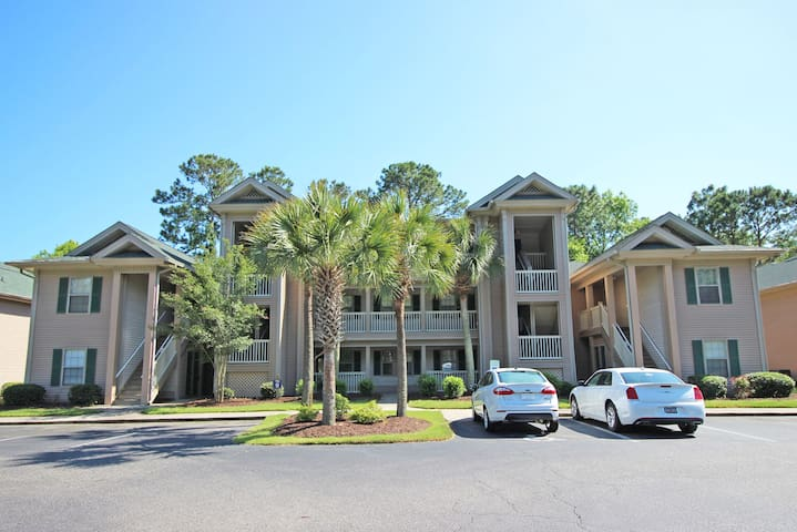 Super 3rd floor condo True Blue Golf/Tennis Accessible WINTER RENTAL  9I