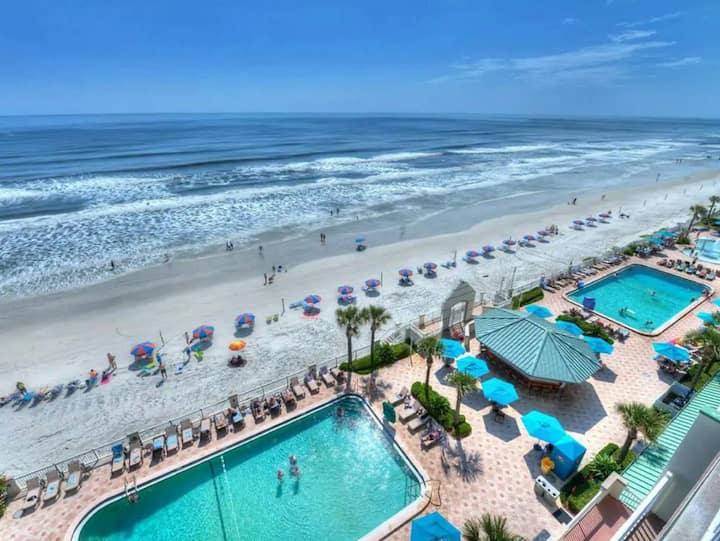 Gorgeous Ocean View Studio in Daytona Beach!