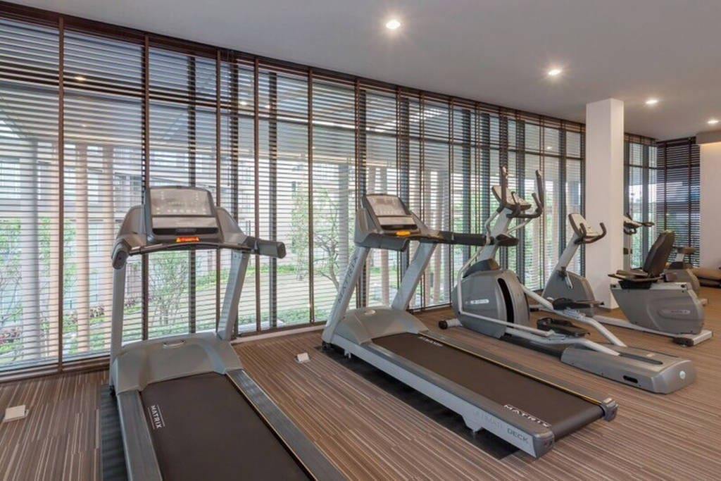 Modern fitness centre. 现代化的健身中心可以免费使用。