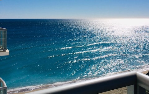 GREAT BEACHFRONT APARTMENT IN SUNNY ISLES