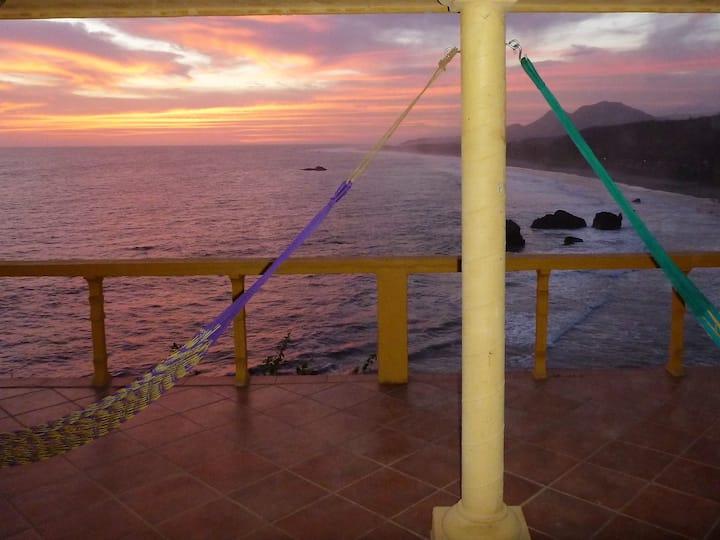 Oceanfront Casa Puesta del  Sol