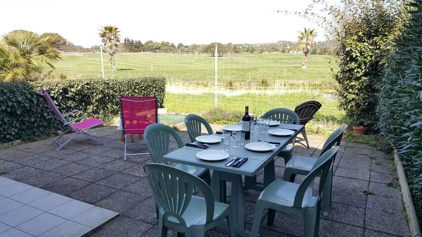 T3 avec Parking, Piscine, 2 Terrasses (vue golf) - Agde - Hus