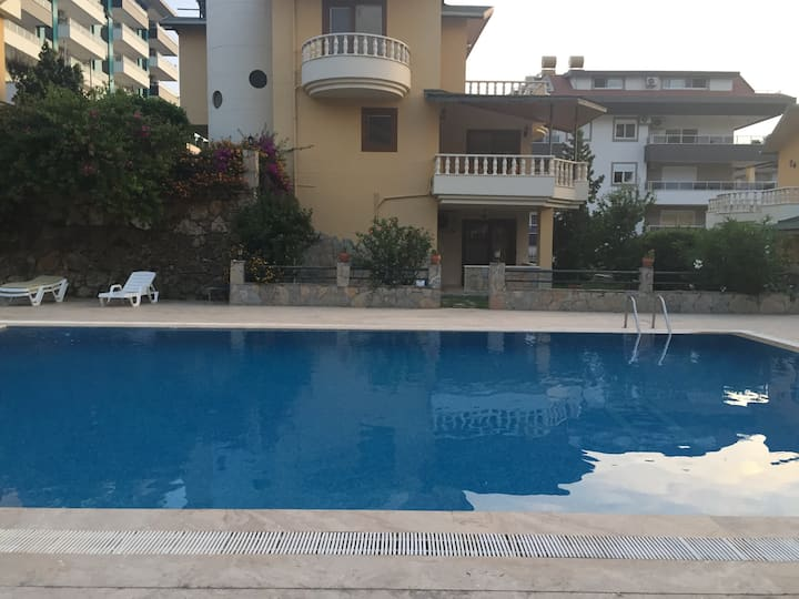 Villa with swimming pool in the center of Alanya
