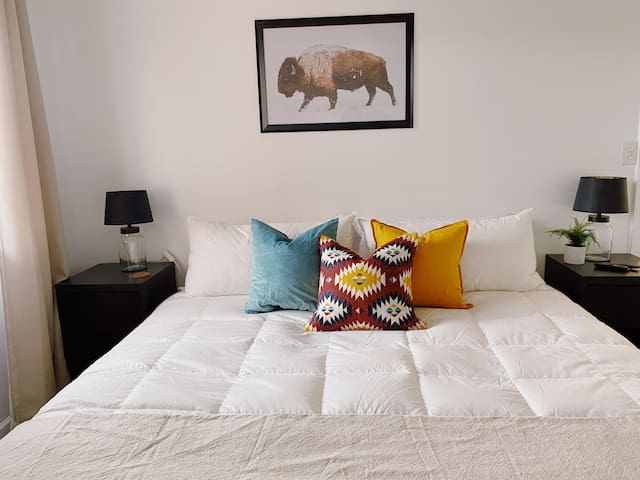 King size bed in the master suite with premium linens and goose down comforter