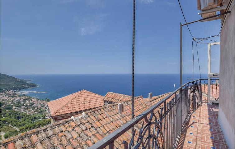 Holiday apartment with 2 bedrooms on 55m² in Castellabate