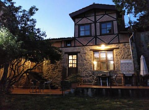 Casa /jardín/chimenea/  Sierra de Salamanca