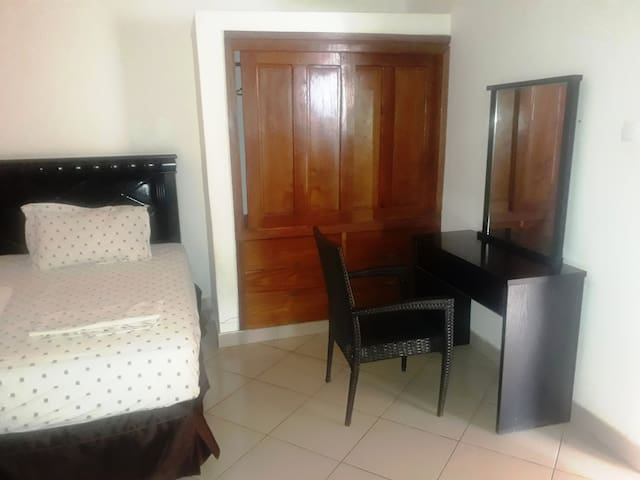Maputo Affordable and Clean Rooms Accommodation