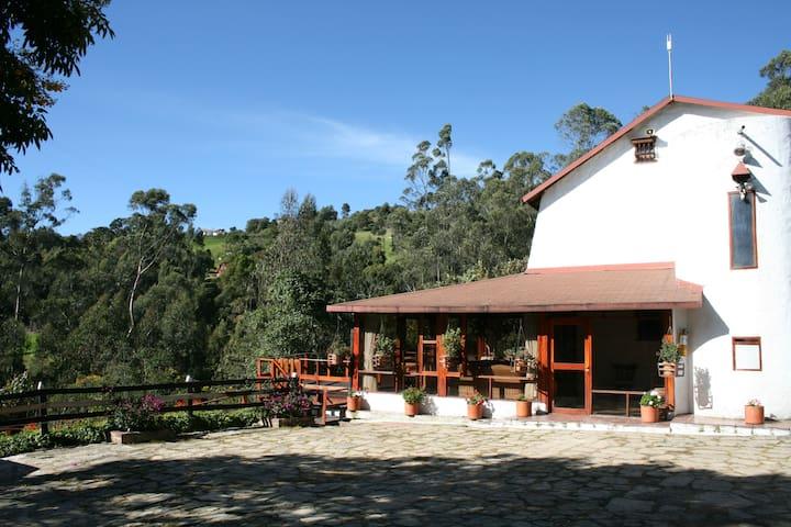 Finca Organica en el campo, 1 hora de Bogota