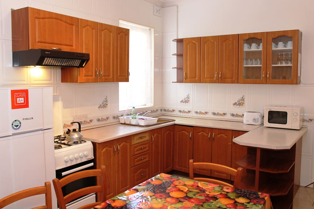 Fully Equipped Kitchen / Dining.