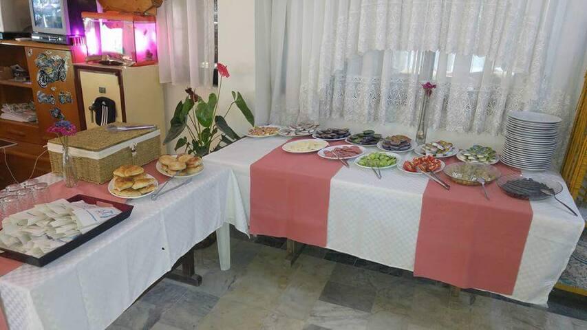 Ürkmez Otel Su - Kavakdere Köyü - Inap sarapan