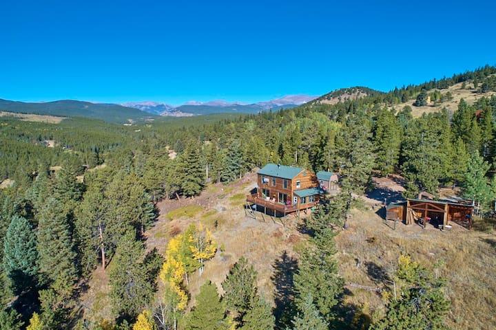 Amazing Boulder Colorado Mountain Cabin. 5 STARS!