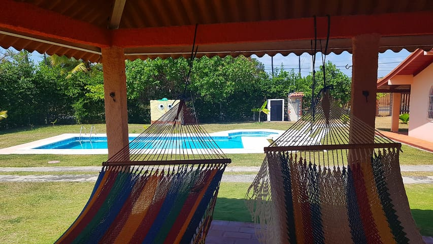 Home with pool, few steps from beach*price 8guests
